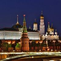 Москва в ожидании салюта!! :: Oleg S
