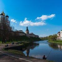 На берегу реки Псковы. :: Виктор Евстратов