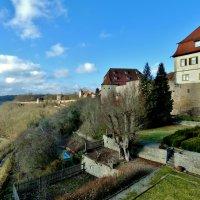Крепостные  стены смотрят  на  долину  Таубер... :: backareva.irina Бакарева