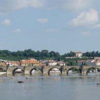 Прага, вид на Карлов мост :: IURII