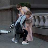 Случай во время фотосессии. :: Александр Сапунов