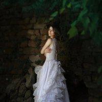 Девушка у пруда :: Олеся Циганок