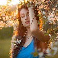 Фотосессия в цветущих садах на закате :: Александр Photo-Sasha.ru