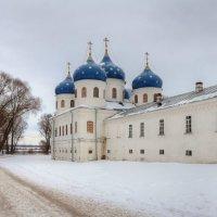 Собор Воздвижения Честного Креста Господня в Юрьевом монастыре :: Константин