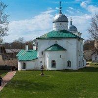 Никольский собор в Изборской крепости. :: Виктор Евстратов