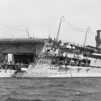 "английский авианосец ""HMS Glorious"". :: Александр"
