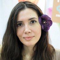 цветочек и в волосАХ :: Олег Лукьянов