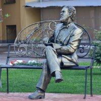 Памятник поэту Якову Полонскому :: Александр Буянов