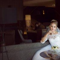 Невеста в  кафе :: Тамара Нижельская