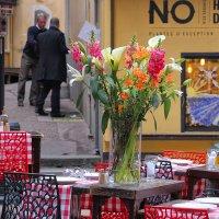 Уличное кафе :: Nina Karyuk