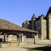 замок де ла Мартони (chateau de la Marthonie) начало XVI века :: Георгий