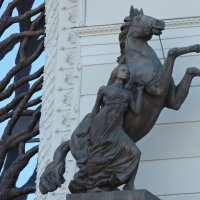 Скульптура дворца земледелцев :: Ирина Козлова