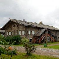 Старинный дом в Мандрогах :: Надежда