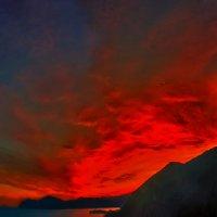 костер заката расплавил небеса... :: viton