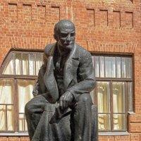 Памятник В.И. Ленину :: Галина Каюмова