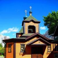 Храм в городе! :: Александр Романов