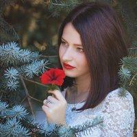 Девушка с цветком :: Надежда Журавкова