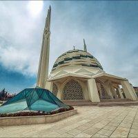 Современная мечеть факультета теологии университета Мармара :: Ирина Лепнёва