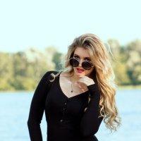 Девушка в черном :: Анастасия Грек