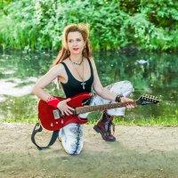 Рок-гитаристка. :: Александр Лейкум