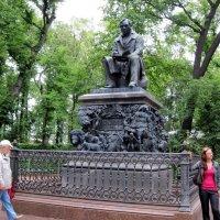 Памятник Крылову И.А. в Летнем саду. :: Ирина ***