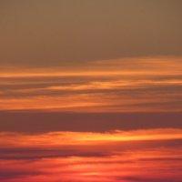 Закат после жаркого дня :: valeriy khlopunov