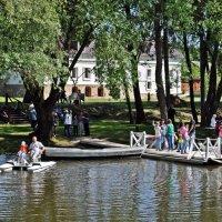Лодочная станция на реке Суходрев :: Лариса Вишневская