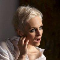 Женский портрет :: Александр Воронов