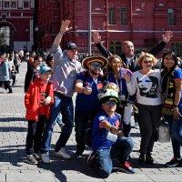 Фото на память с гостями из Колумбии! :: Татьяна Помогалова