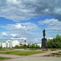 Памятник  И.А. Бунину в г. Орле :: Елена Кирьянова