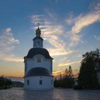 Церковь в Успенском. Вечер. :: Александр С.