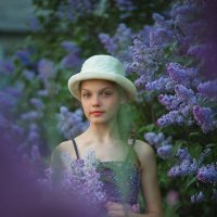 Запах сирени душистый! :: Марина Кузьмина