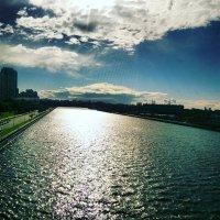 Небо над рекой :: Аlexandr Guru-Zhurzh