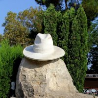 Белая шляпа :: Vlad Сергиевич