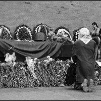 У могилы Неизвестного Солдата, :: Николай Кондаков