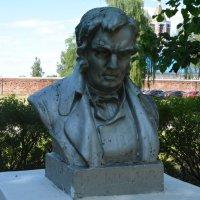 Памятник баснописцу Крылову в Солотче :: Александр Буянов