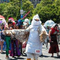 На параде русалок в Бруклине :: Олег Чемоданов