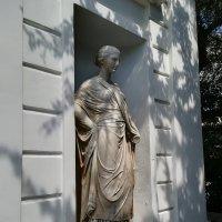 Мраморные статуи колоннады Графской пристани :: Владимир Прокофьев