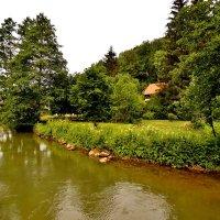 Одинокий  домик  у речки  Пегнитц :: backareva.irina Бакарева