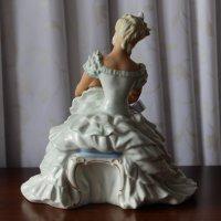 Фарфоровая скульптурная композиция «Балерина завязывающая пуанты» :: Надежд@ Шавенкова