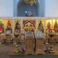 в храме :: Димончик