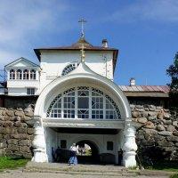 Святые ворота под Благовещенской церковью :: Елена Павлова (Смолова)