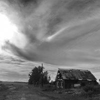 Небесная птица над деревней пролетала :: Светлана Рябова-Шатунова