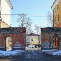 Городские виды старых стен :: Николай Масляев