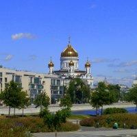 Храм Христа Спасителя с Крымской набережной :: Татьяна Лобанова