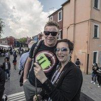 Venezia. I turisti provenienti dall Europa, sull isola di Burano. :: Игорь Олегович Кравченко