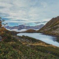 В октябрьских горах... :: Александр К.
