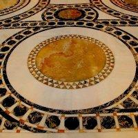 Храм Новомучеников Российских в Сретенском монастыре :: Надежд@ Шавенкова