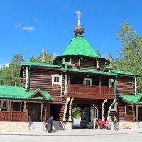 Надвратный храм в честь Иверской иконы Божией Матери :: Елена Викторова