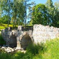 Руинный мостик после реставрации. :: Лия ☼